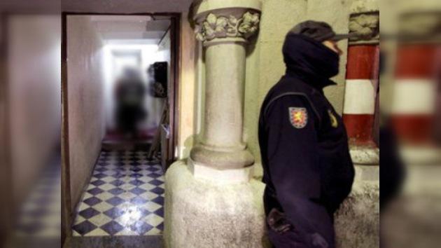 Condenan a hombre que abusaba sexualmente de menores, disfrazado de policía