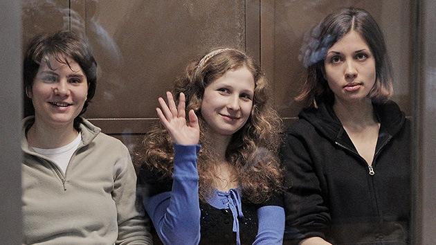 Libertad condicional para una de las tres integrantes de Pussy Riot