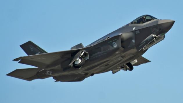 """Un caza F-35 sufre un fallo en un vuelo de prueba: """"Es un avión excepcionalmente malo"""""""