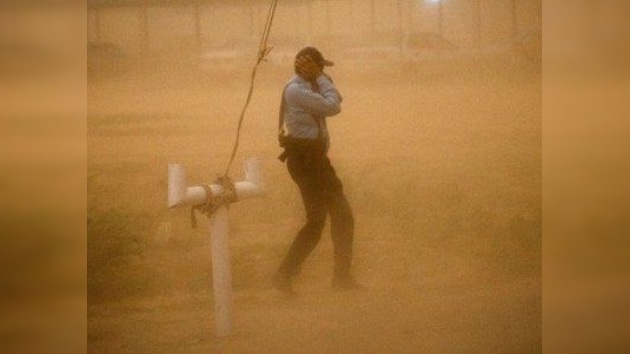 Decenas de personas mueren en una tormenta de arena que está azotando la India