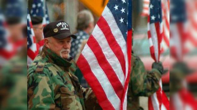 Veteranos de Vietnam de origen hispano piden a Michelle Obama que no les deporten