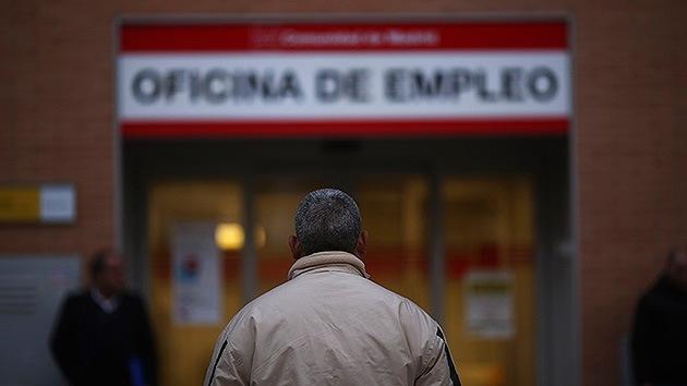 """La 'mejora' del empleo en España: """"contratos de risa"""" y horas extras para llegar a fin de mes"""