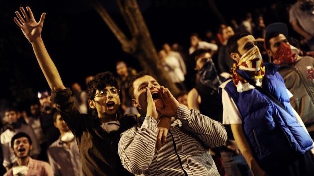 Los manifestantes turcos presentan su lista de demandas al Gobierno