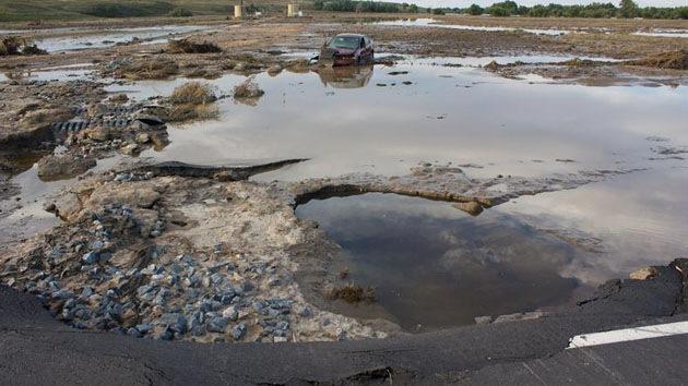 EE.UU.: Una riada produce un derrame de crudo en Colorado