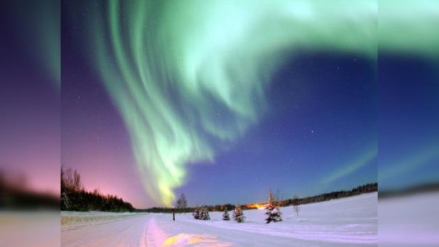 El norte de Rusia se despide del sol y espera una aurora boreal
