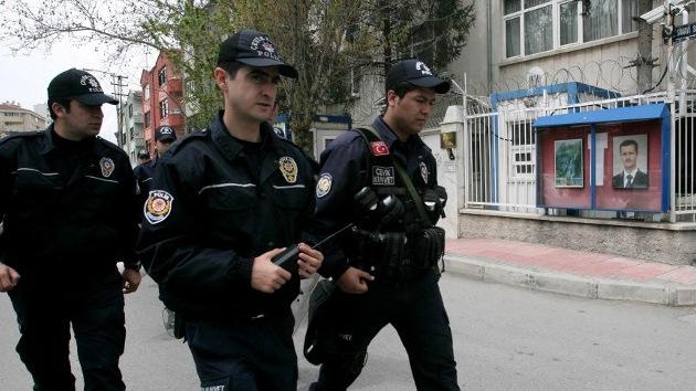 Detienen en Turquía a islamistas sirios armados con gas sarín