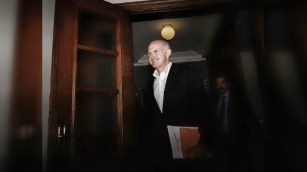 El primer ministro griego pide a sus ministros que se preparen para dimitir