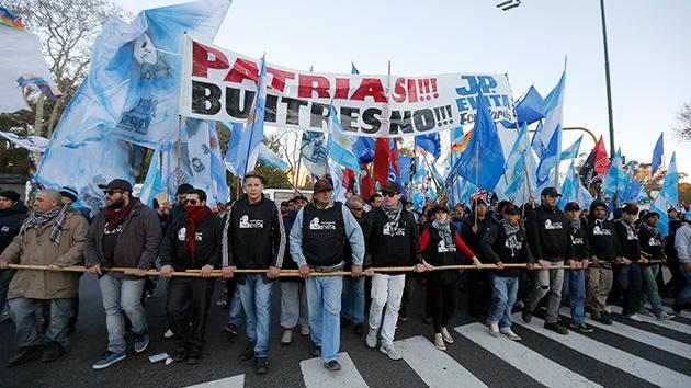 ¿Quién mueve los hilos de los 'fondos buitre' de Argentina?