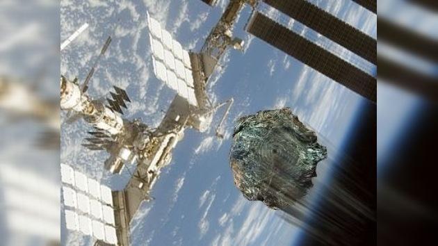 Un trozo de un cohete se acerca a la Estación Espacial Internacional