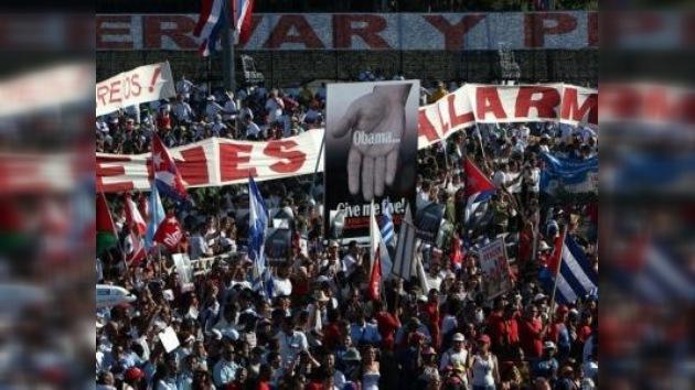 En Cuba empleados públicos y trabajadores a cuenta propia celebran juntos el 1 de Mayo