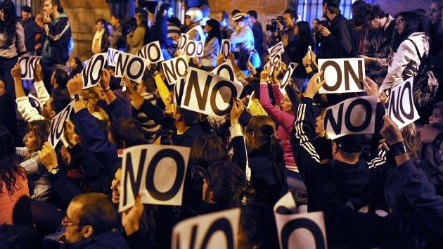 """""""¡Volvemos el 26S!"""": los manifestantes vuelven a rondar el Congreso de los Diputados"""