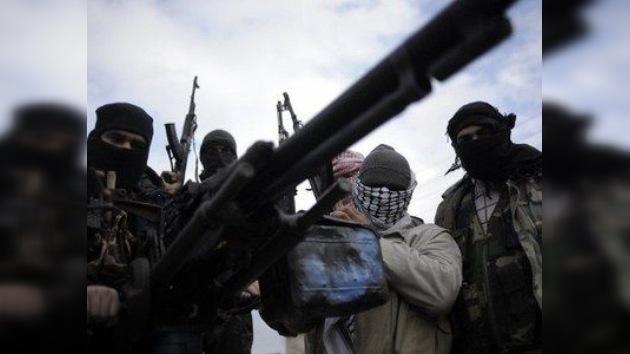 Arabia Saudí 'echa aceite al fuego' del conflicto en Siria