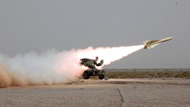 """Irán da una """"bofetada"""" misilística a EE.UU. e Israel: Prueba con éxito su nuevo sistema antiaéreo"""