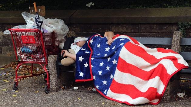 Cómo los bancos estadounidenses exprimen a los pobres