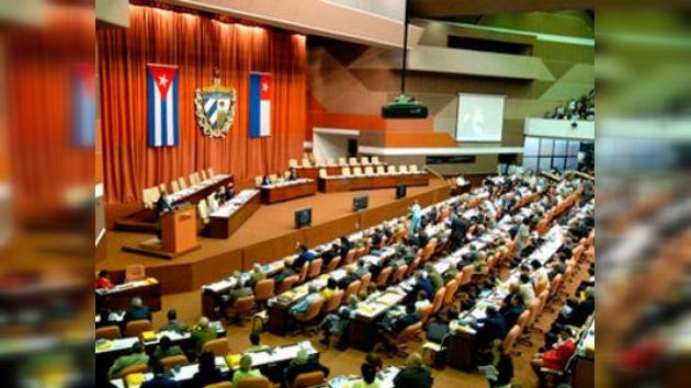 """Raúl Castro reafirma su """"invariable voluntad"""" de cambiar la política migratoria del país"""