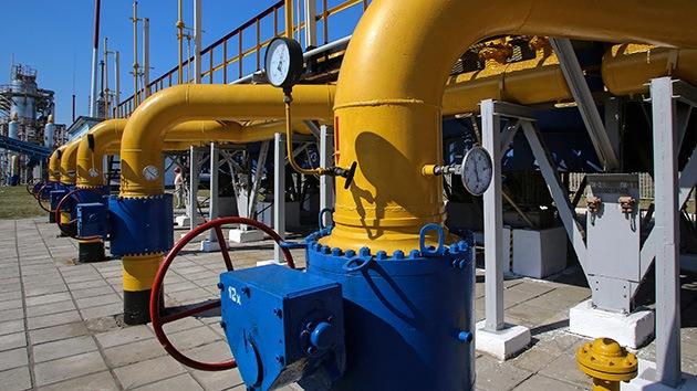 """Comisario europeo de Energía: """"Ucrania debe pagar por el gas ruso"""""""