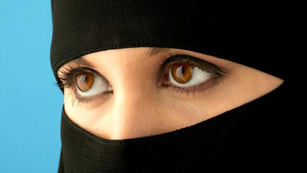 Egipto lanza una nueva televisión de mujeres con niqab