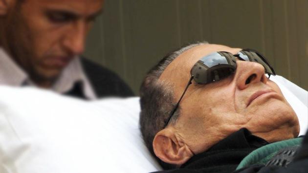 Hosni Mubarak cae en coma