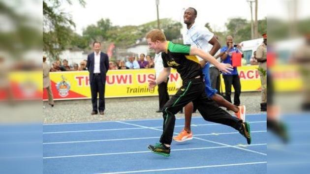 El heredero del trono británico vence en una carrera al plusmarquista Usain Bolt
