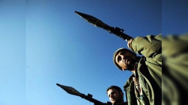 La oposición siria crea una coalición alternativa al CNS y pretende armar a los rebeldes