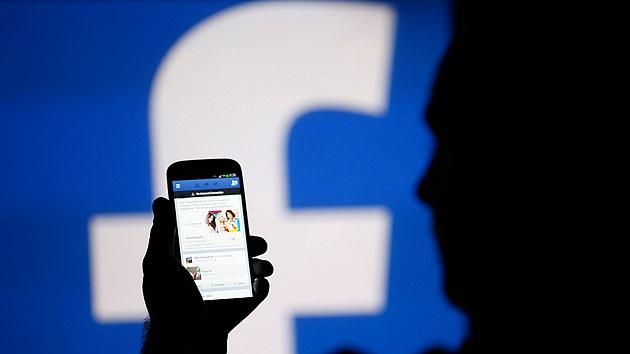 Experimento en Facebook: ¿qué sucedería si marcamos 'Me gusta' en todo lo que vemos?