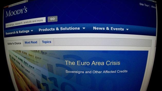 """Moody's reduce a """"negativa"""" la perspectiva crediticia de la UE"""