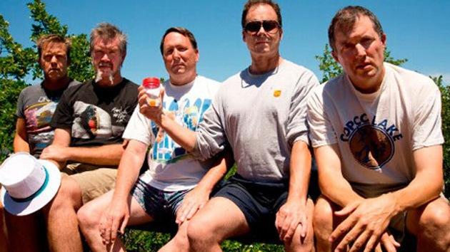 FOTOS: Cinco hombres captan 30 años de amistad en siete imágenes