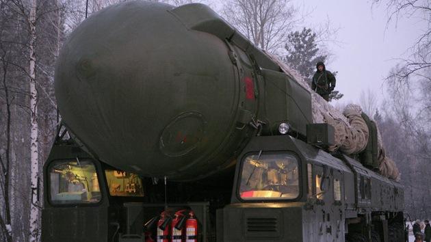 Rusia prueba con éxito un misil intercontinental Tópol