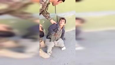 Soldado revela secreto del niño sin piernas