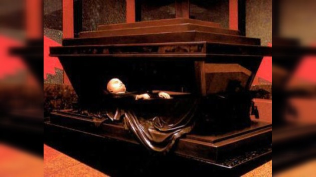 Reabren la polémica en torno a Lenin: ¿enterrarlo o dejarlo en el mausoleo?