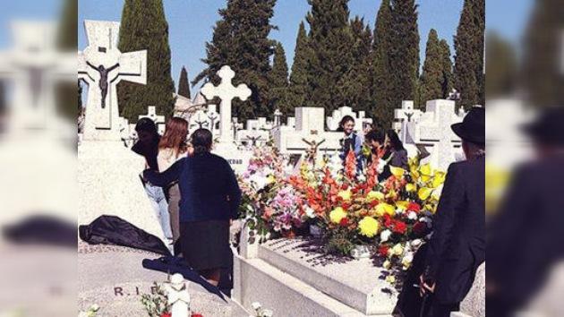Vida eterna por decreto municipal: un alcalde italiano prohíbe morirse a sus vecinos