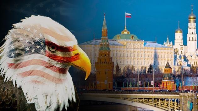 """Exagente del MI5: EE.UU. saca provecho presentando a Rusia como un """"monstruo"""""""