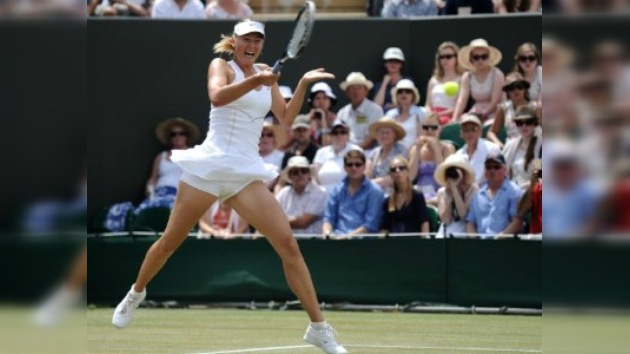 Wimbledon: pasa Sharápova, caen Petrova y Pervak