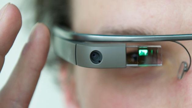 "Chomsky: ""Google Glass es una manera de destruir a la gente"""