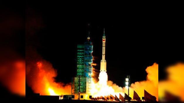 China lanza la primera nave para montar su futura estación orbital