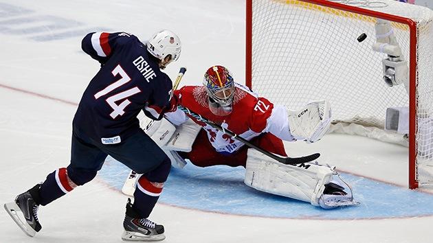 Rusia pierde ante EE.UU. en hockey tras la anulación de un gol que enciende las redes