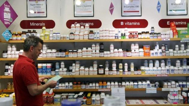 Populares suplementos vitamínicos aumentan el riesgo de cáncer en los varones