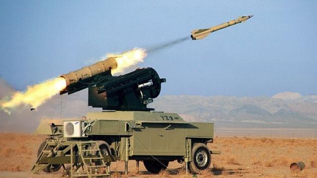 Irán pone a prueba blindados, fusiles y baterías antiaéreas de última generación