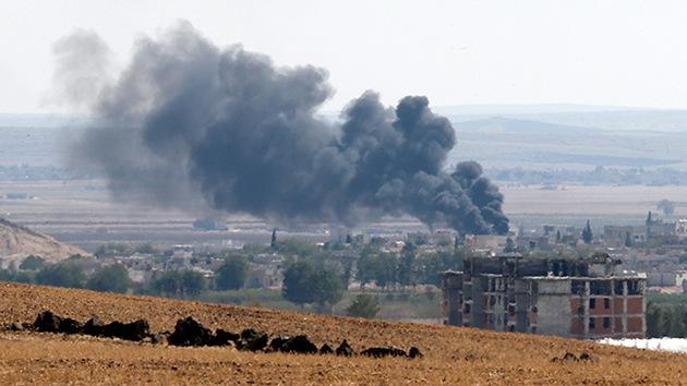 Evacúan a más de 2.000 personas de la ciudad siria sitiada por el Estado Islámico