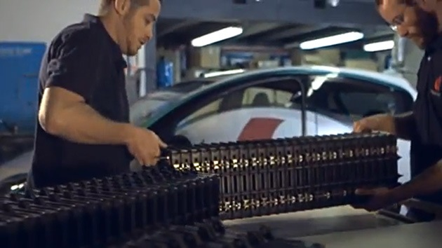 Crean una batería ecológica de aluminio-aire que alimentará un auto para 1.600 kilómetros