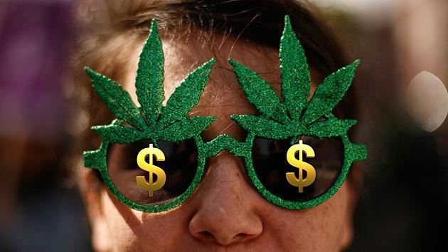 EE.UU.: Permiten al negocio de la marihuana abrir cuentas y hacer operaciones bancarias