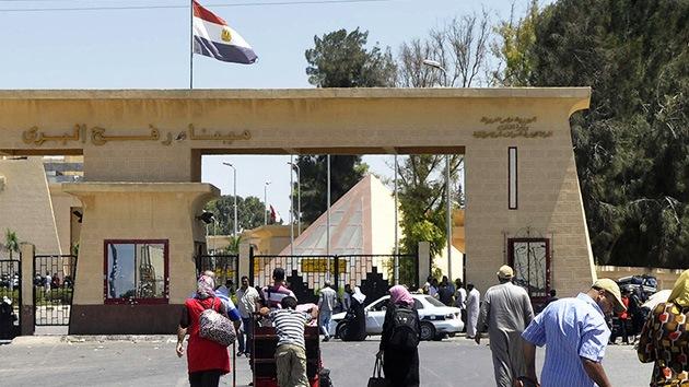 Una explosión destruye parte del edificio de la inteligencia de Egipto en Rafah