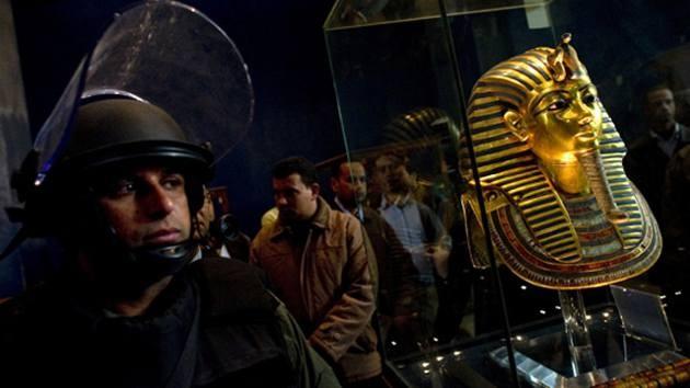 A Egipto le crecen los arqueólogos-pirata