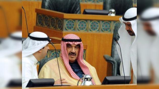 Atentan contra el ministro de Defensa de Yemen