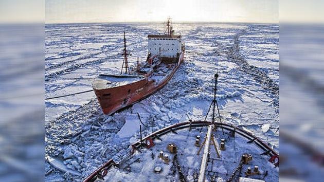 Rusia al rescate: un buque cisterna atiende una emergencia en Alaska