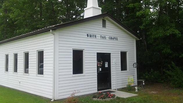 Video: Una iglesia de EE.UU. permite a sus feligreses que se desnuden 'en cuerpo y alma'