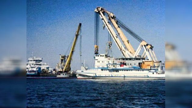 El reflotamiento de la nave Bulgaria está suspendido hasta el sábado