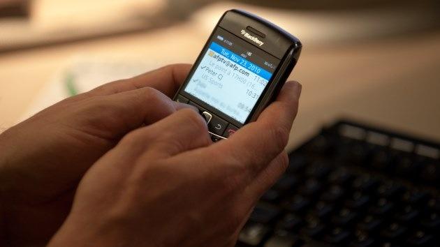 """BlackBerry en una carta abierta a sus clientes: """"Aún no estamos muertos"""""""