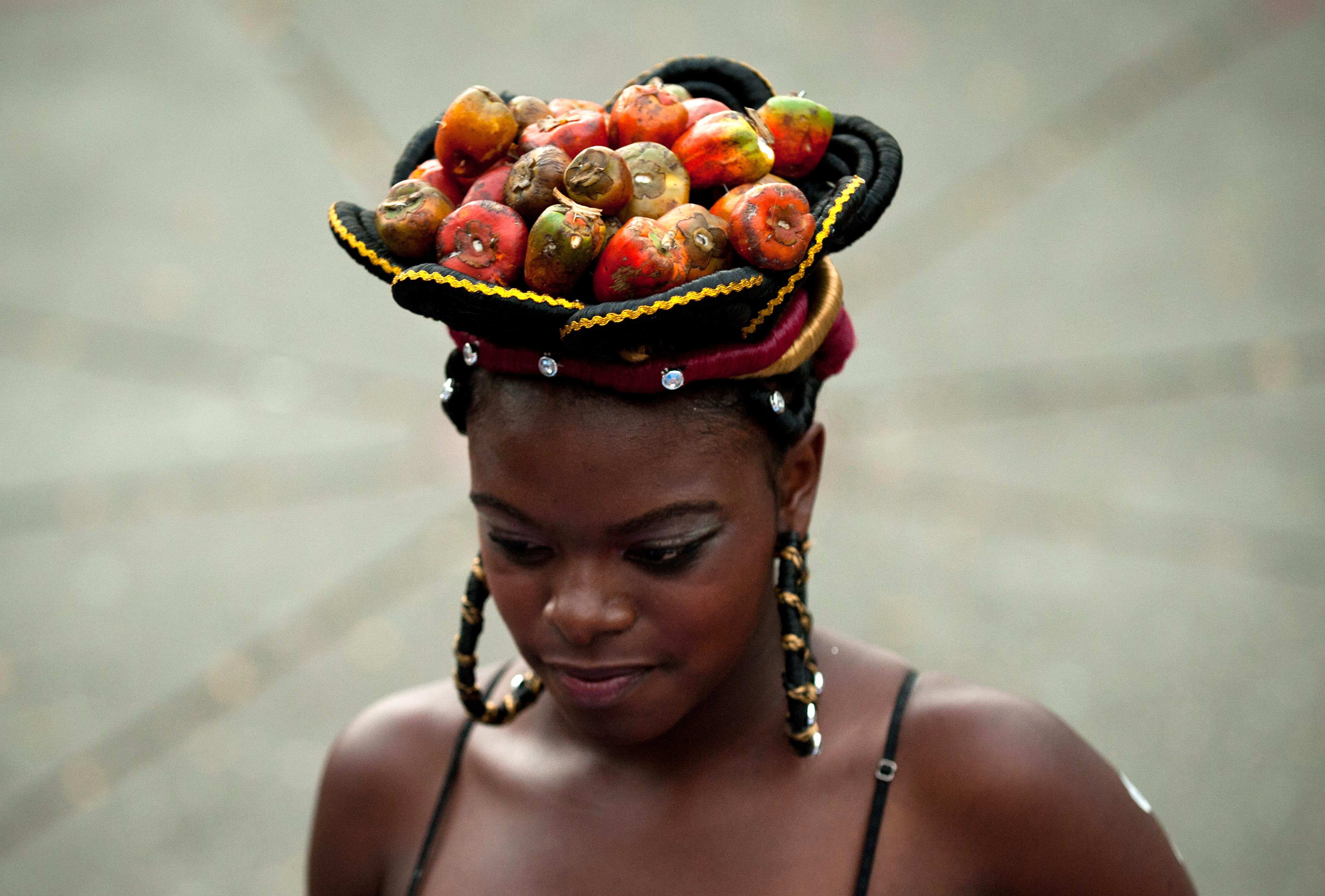Tejiendo Esperanzas Colombia Se Peina A Lo Afro