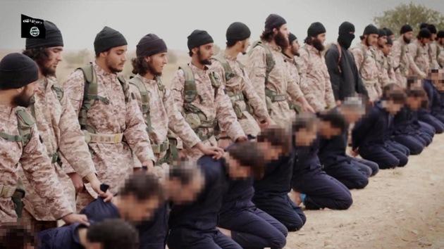 Expertos revelan detalles impactantes del vídeo de las decapitaciones múltiples del Estado Islámico